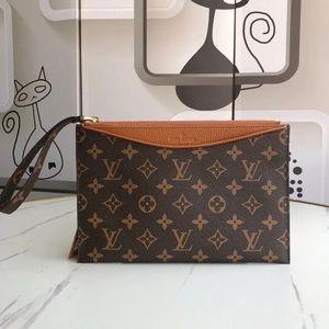 Louis Vuitton pallas clutch brown